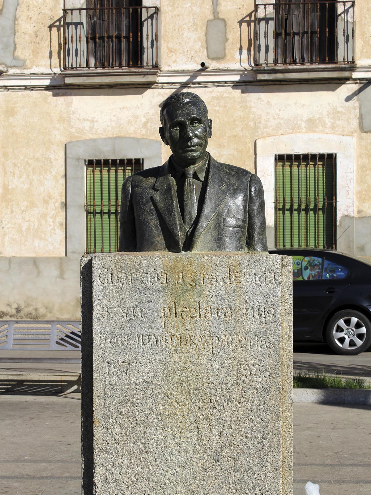 Busto de Don Juan Durán de la Plaza de San Gregorio