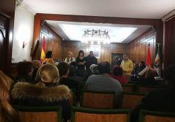 Las asociaciones y grupos políticos, partidarios de establecer negociaciones para fijar un convenio entre Guareña y Torrefresneda