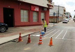 Empiezan los primeros trabajos del alumnado de la Escuela Profesional de Pintura Decorativa e Industrial en Guareña