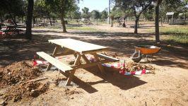 Nuevo mobiliario en el Pantano San Roque de Guareña