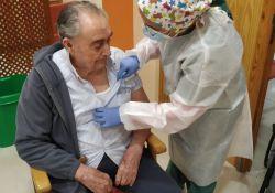 Agustín Rodríguez Merino y Catalina Solís Lozano, primeras personas vacunadas en Guareña contra el Covid-19